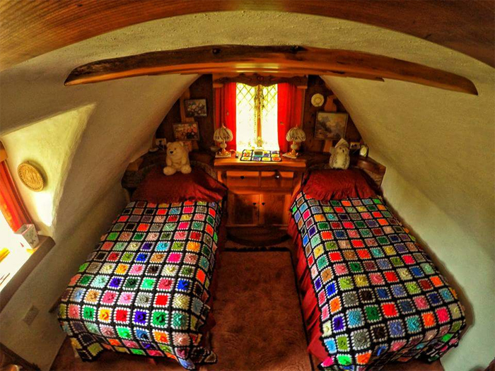 real-life hobbit house second bedroom
