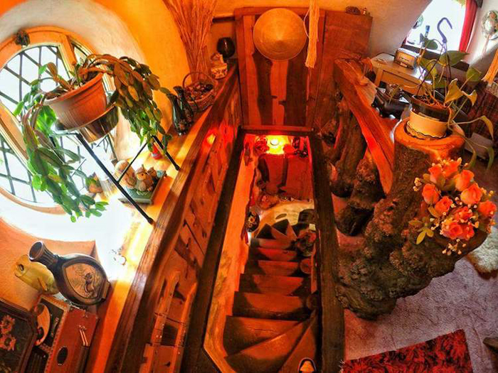 real-life hobbit house second floor