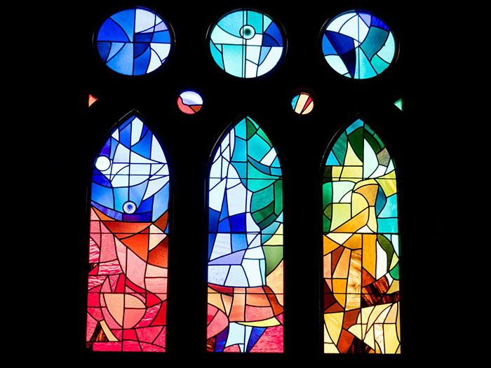 stained-glass-window-SagradaFamília