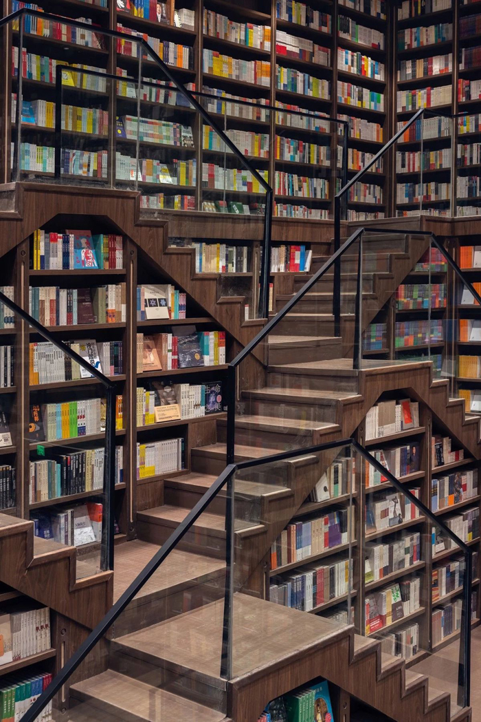 zhongshuge bookstore wooden staircases