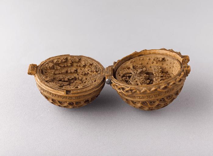 16th century gothic boxwood miniatures art gallery ontario