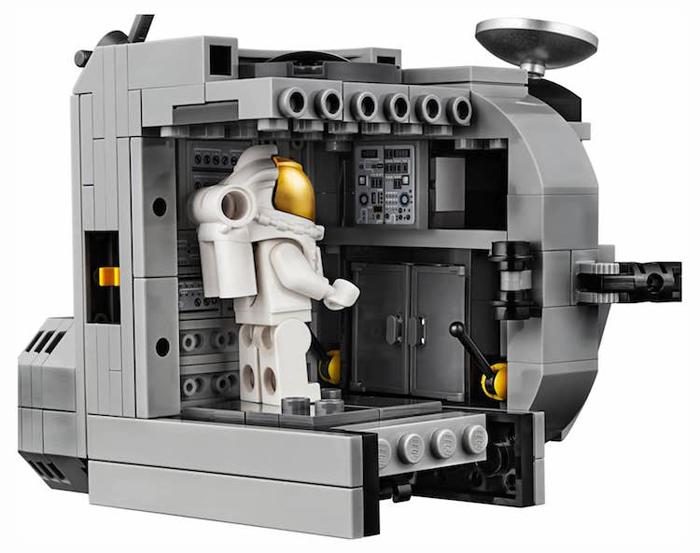 apollo 11 lunar lander lego storage spaces
