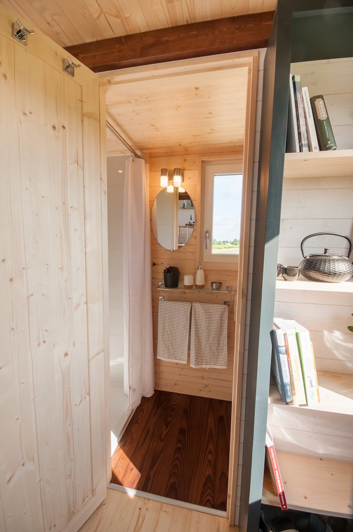 baluchon tiny house valhalla bathroom interior