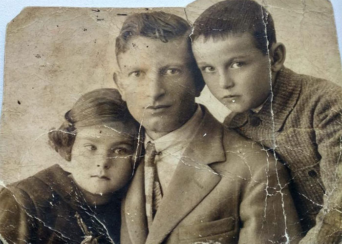 family cracked photoshop photo restoration michelle spalding