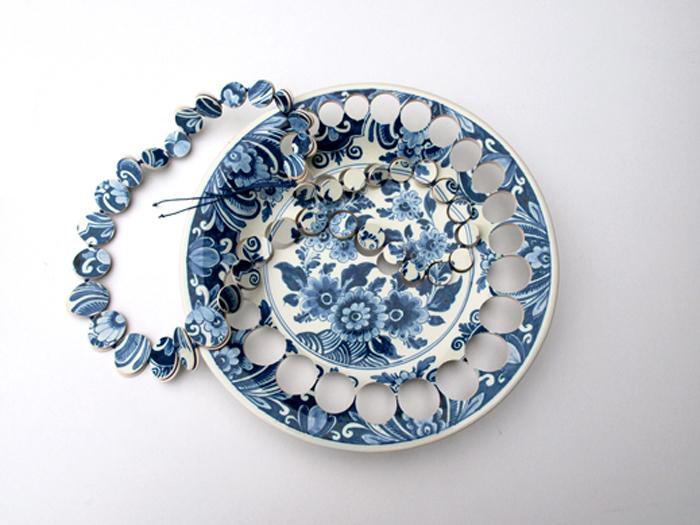 gesine hackenberg ceramic jewelry delft blue