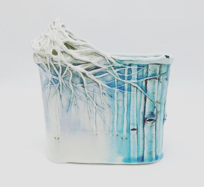 heesoo lee winter-themed ceramic vessels