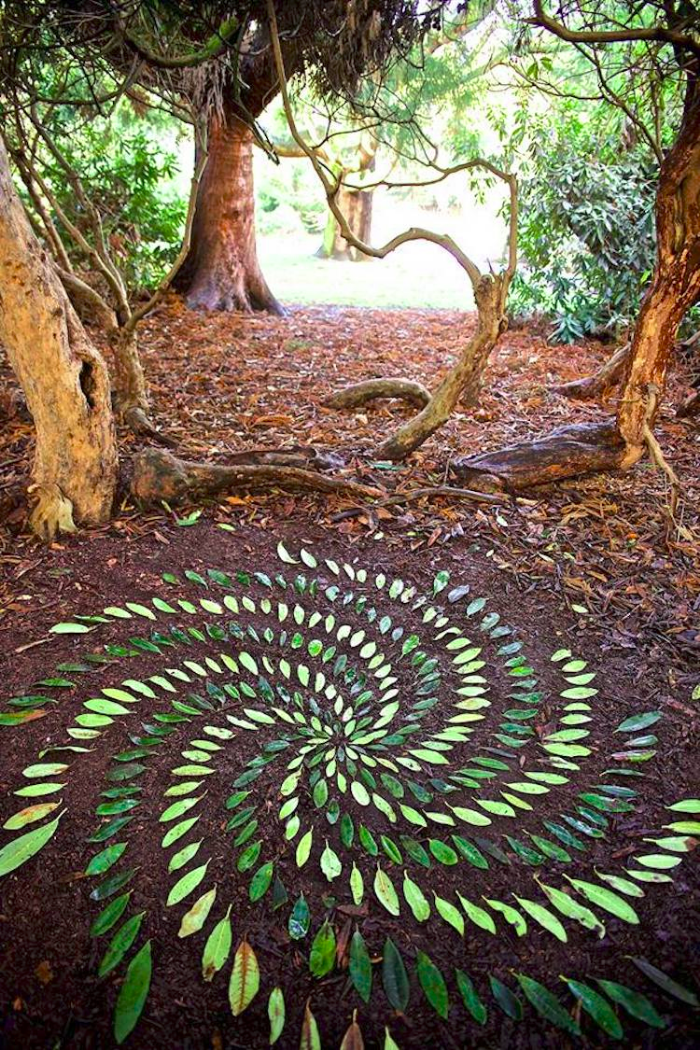 james brunt creates ephemeral mandalas and infinite spirals