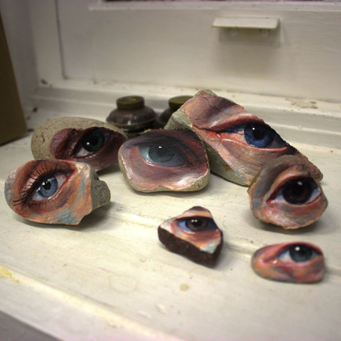 jennifer allnutt rocks eye painting