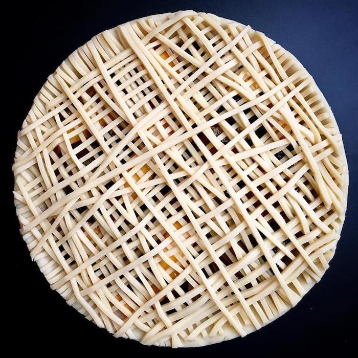 lauren ko art pies crisscross pattern