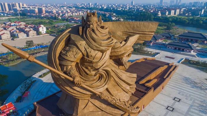 monumental guan yu statue