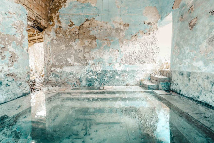 romain thiery photographs abandoned places