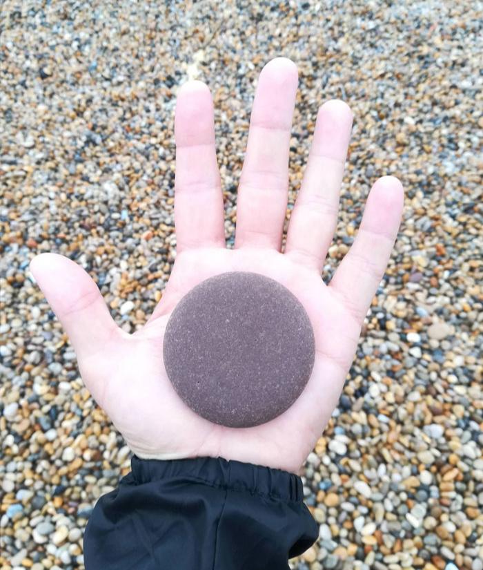 satisfying pebble - interesting beach things