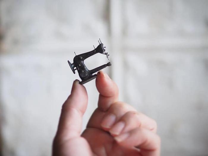 sewing machine handmade miniatures kiyomi chiisana shiawase