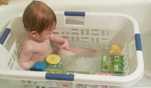 bath tub toys parenting hacks tricks tips