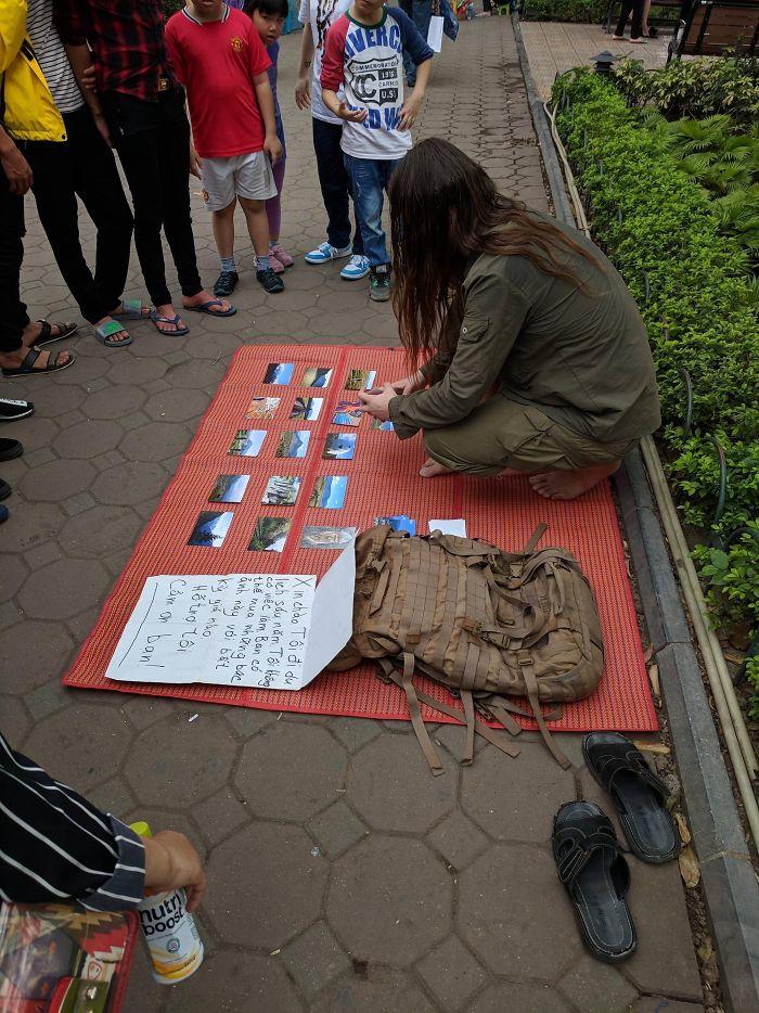 begpacker in hanoi vietnam