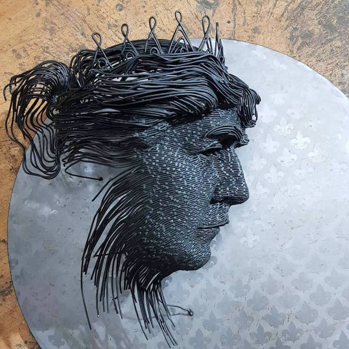 darius hulea metal wire sculptures queen marie detail