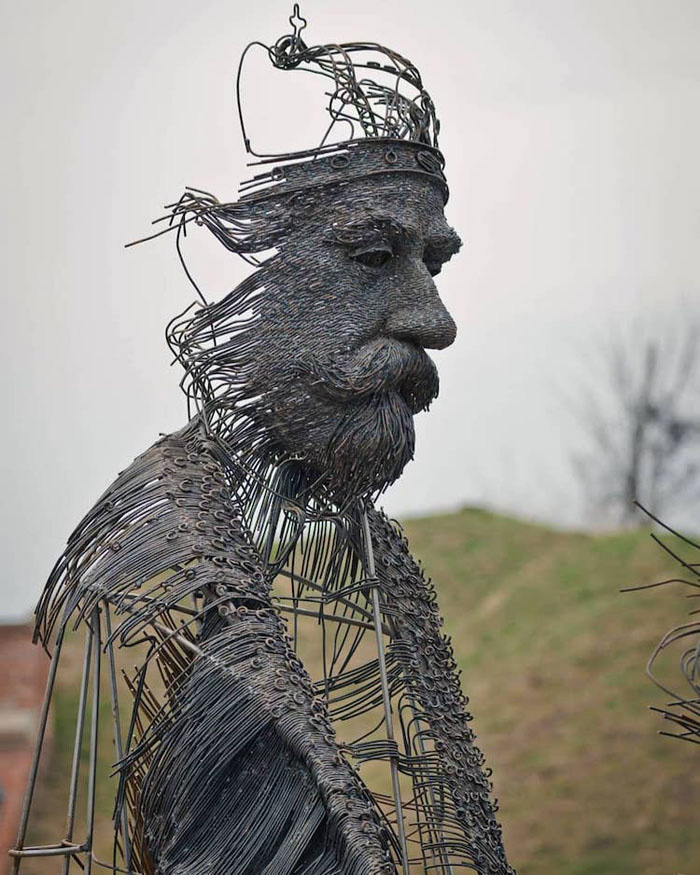 darius hulea metal wire sculptures