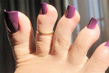 fake toenails