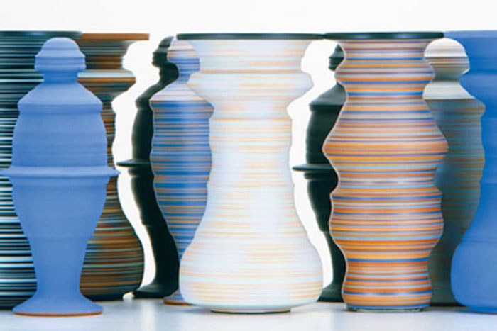 greg payce optical illusion vases human figures