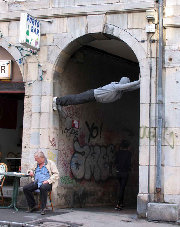 mark jenkins realistic mannequins tunnel guy besanson france