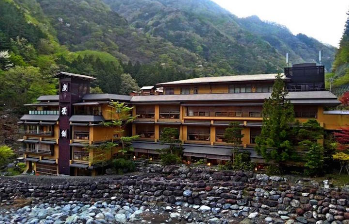 perspective view nishiyama onsen keiunkan oldest hotel world record 1300 years