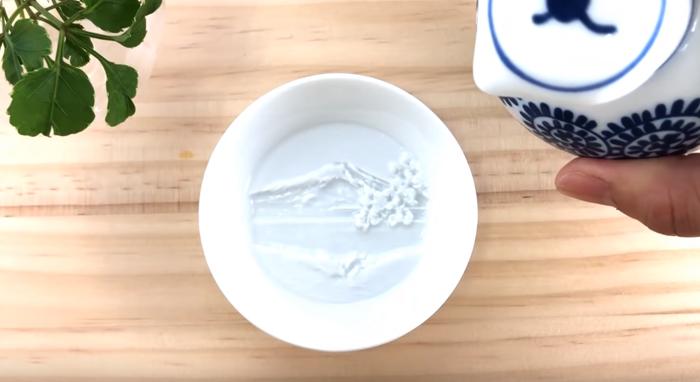 redestu sauce dish hidden painting