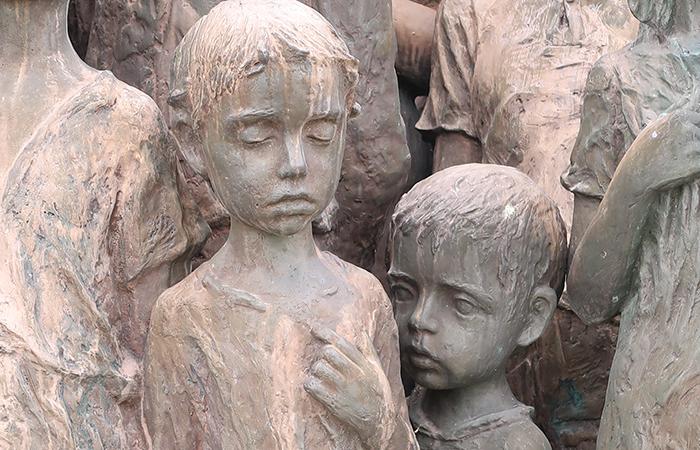 siblings children sculptures in lidice village czechoslovakia czech republic