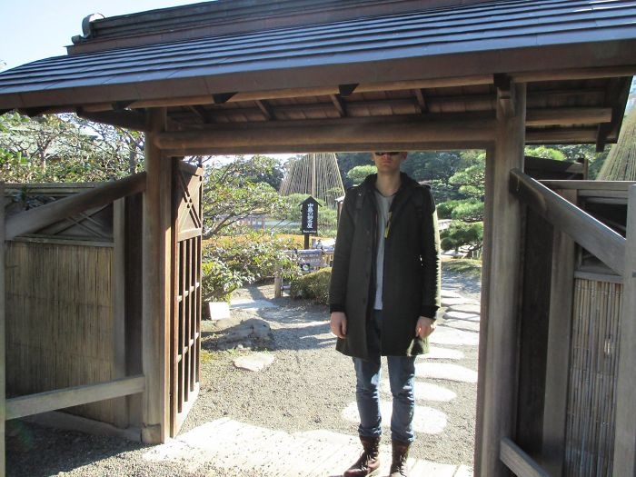 tall people problems japan shrine gate