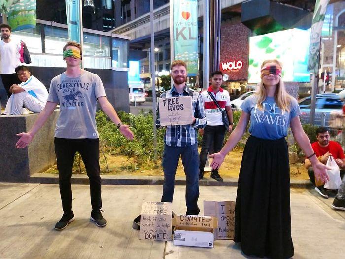 western begpackers free hugs malaysia