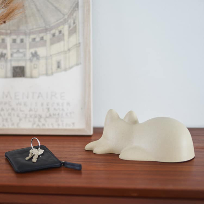 white neko cup desk decor