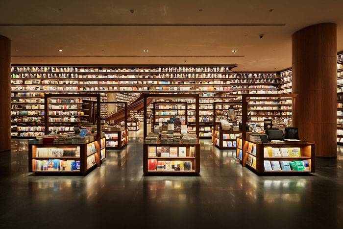 yjy maike centre flagship bookstore first level bookshelves