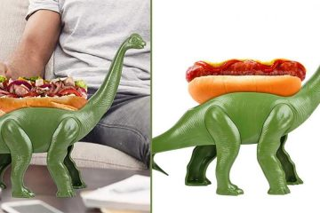 Weeniesaurus dinosaur hot dog holder