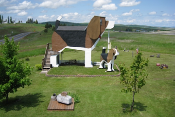 adorable beagle shaped hotel dog bark park inn