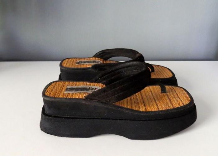 chinese laundry flip-flops shoe nostalgia