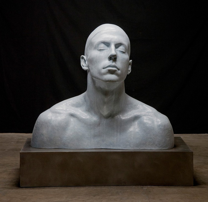 coderch malavia lifelike human sculptures the swimmer