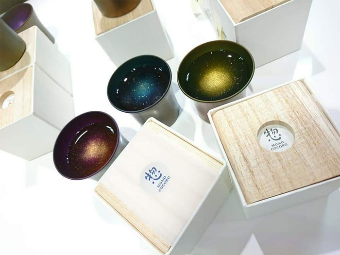 cups and their boxes galaxy sake cups design