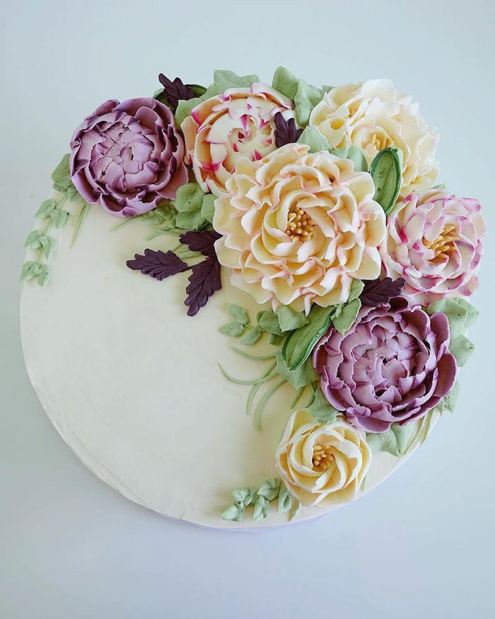 leslie vigil realistic buttercream botanicals flower white cake