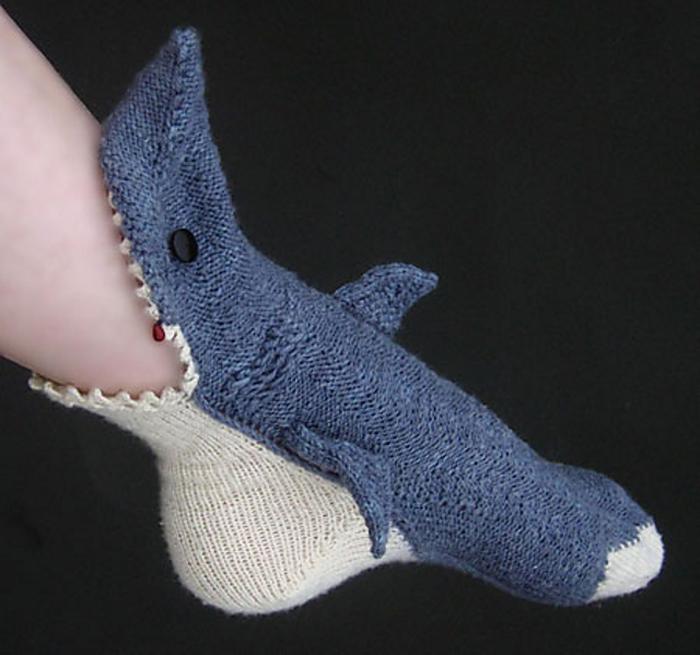 lisa grossman shark socks knit pattern