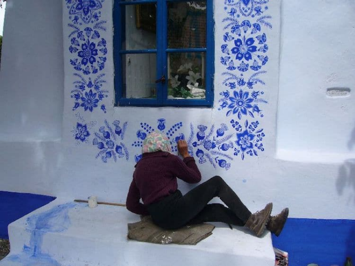 meticulous details grandma paints houses louka