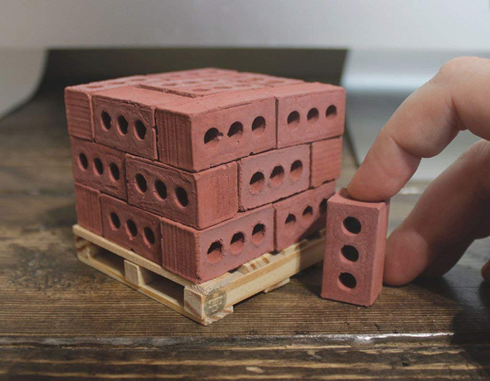 mini cement bricks red pine wood pallet