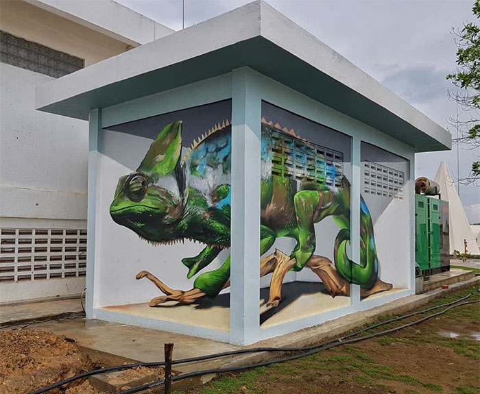 odeith jaw-dropping 3d street art chameleon