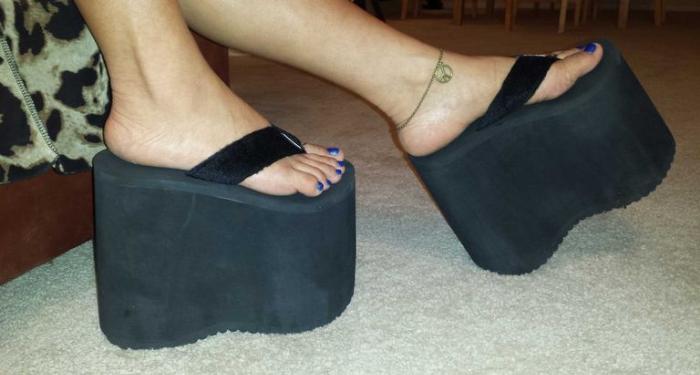 platform flip-flops with fur straps shoe nostalgia