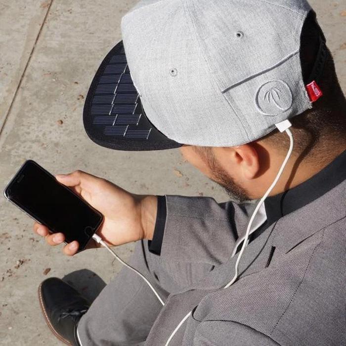 solsol solar charging hat snapback phone