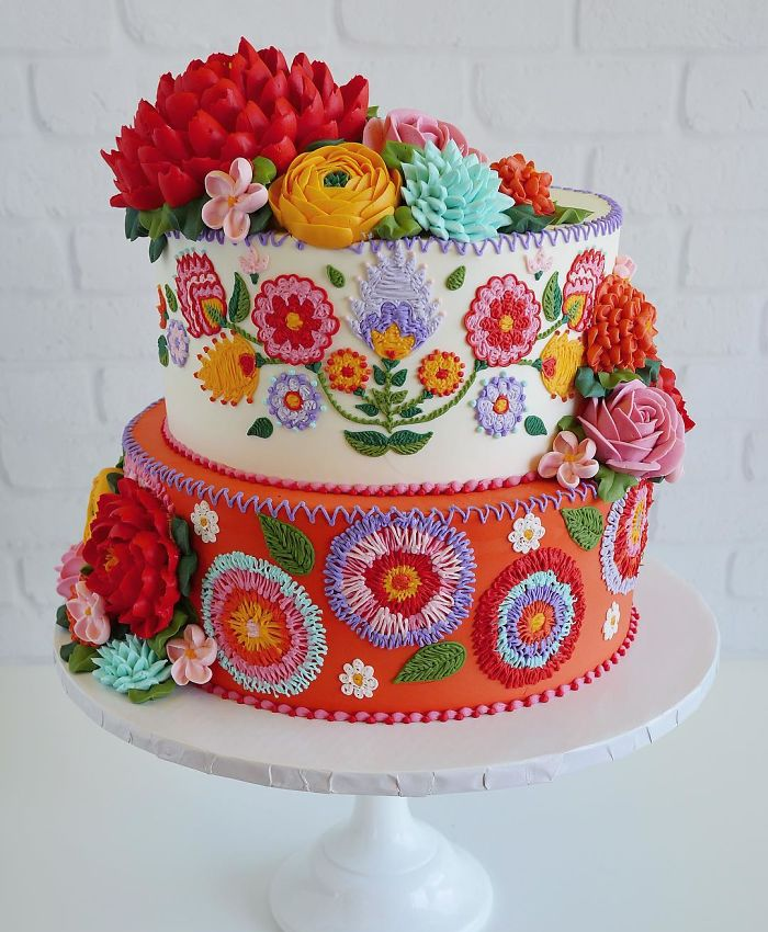two colors and layers embroidered patterns in cakes leslie vigil