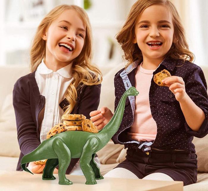 weeniesaurus snack holder cookies