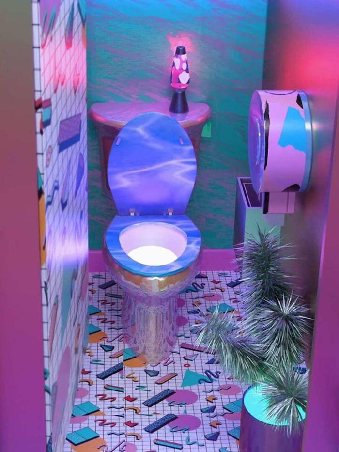 80s inspired toilet