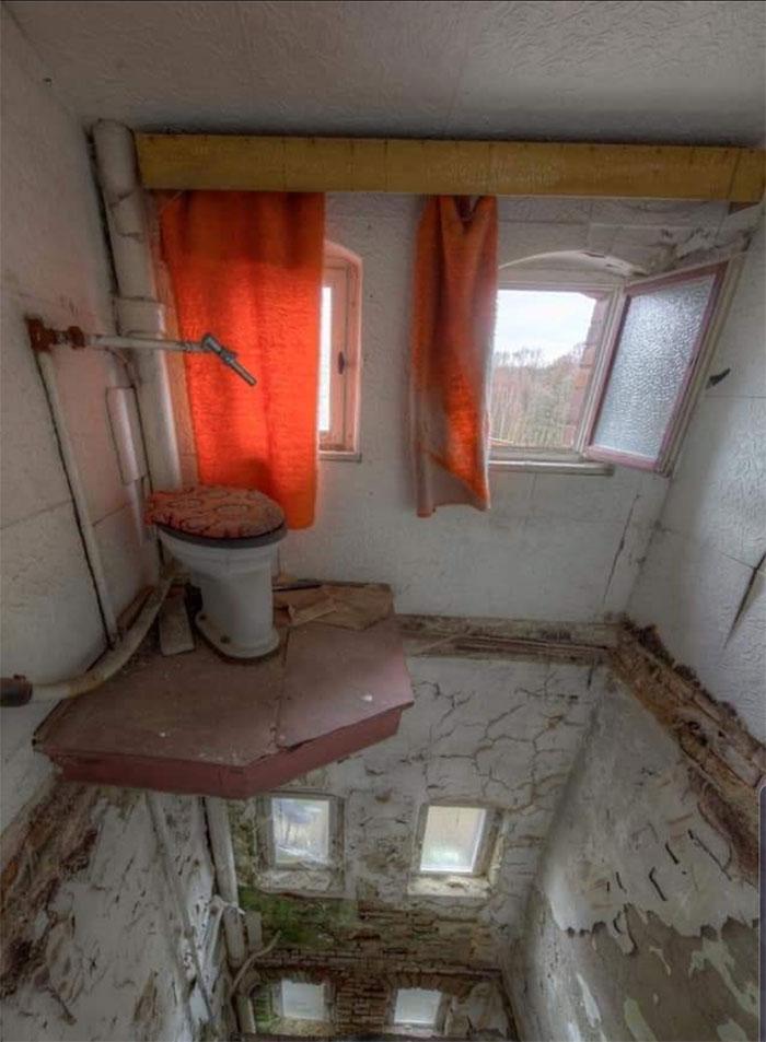 Weirdest Toilet in an abandoned house