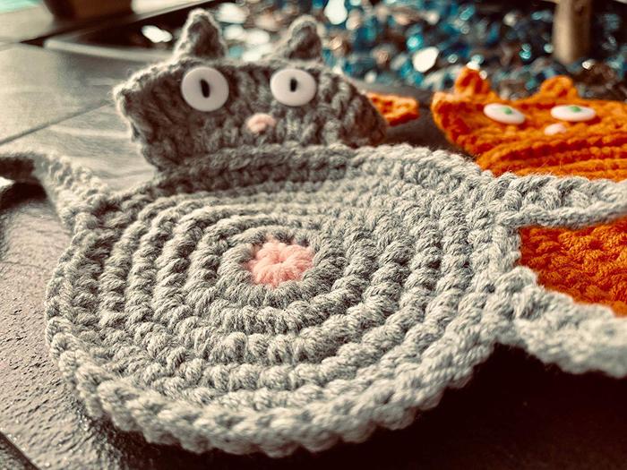 amazon crochet cat butt coasters grey