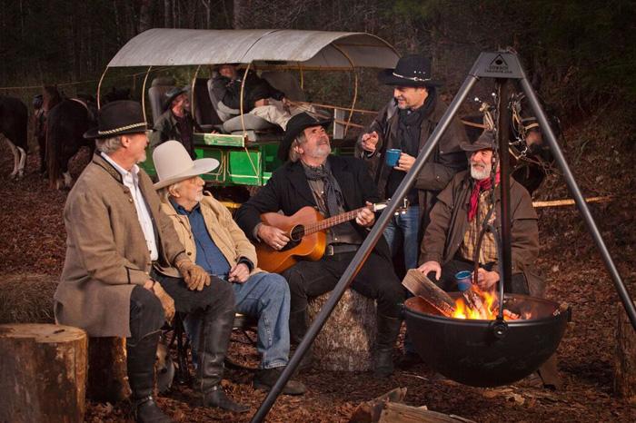 cowboy cauldron fire pit grill rancher