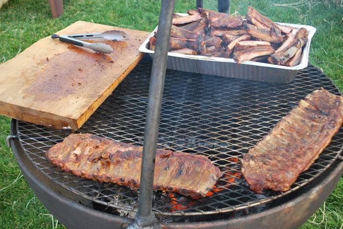 cowboy cauldron fire pit grill